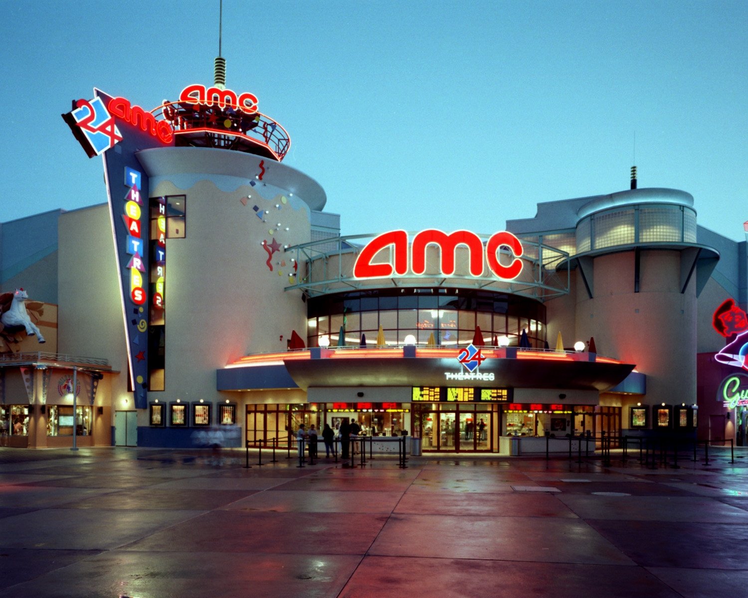 Largest us movie theater chain