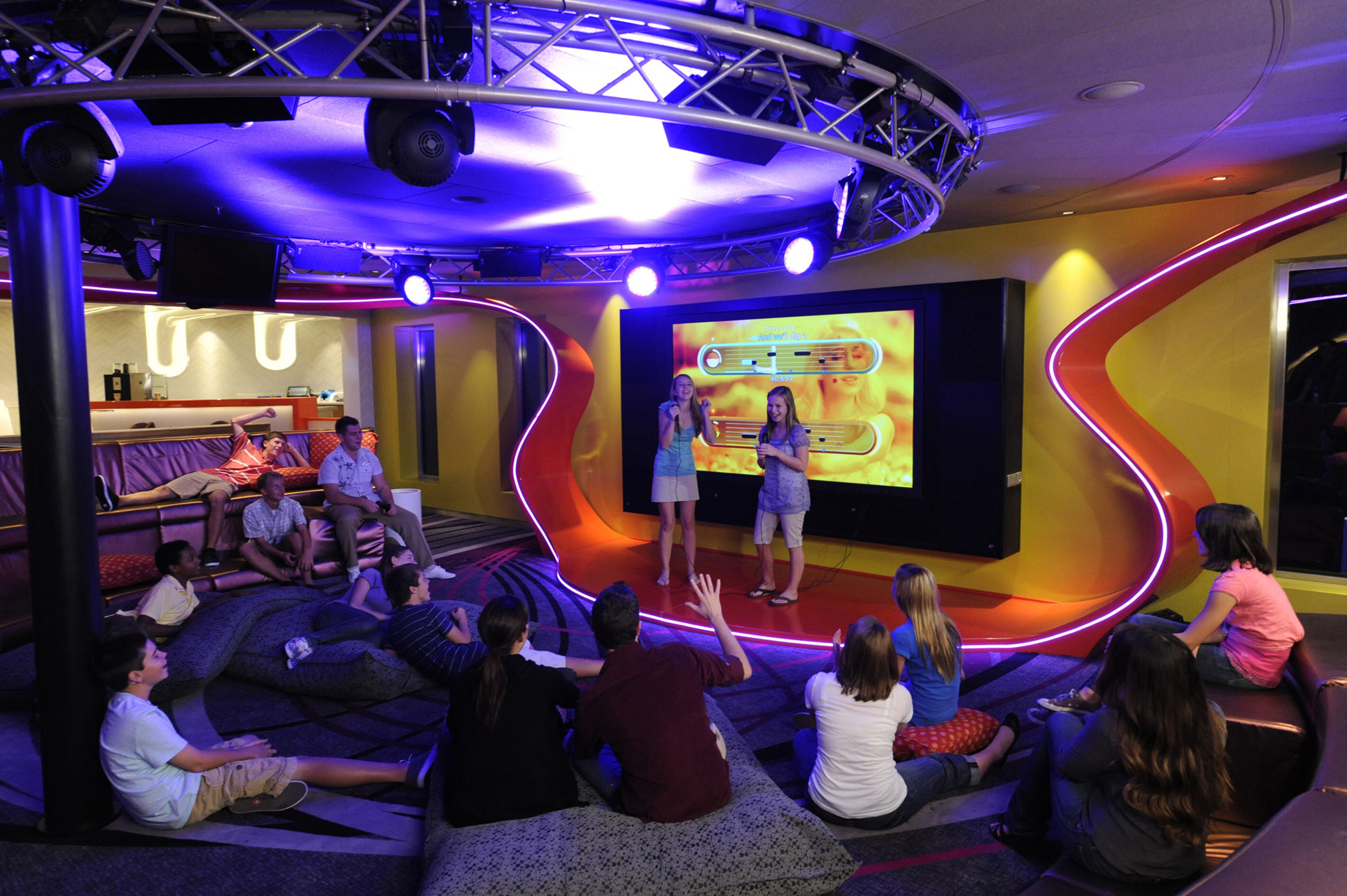 Vibe Teen Club On The Disney Dream Magical Distractions