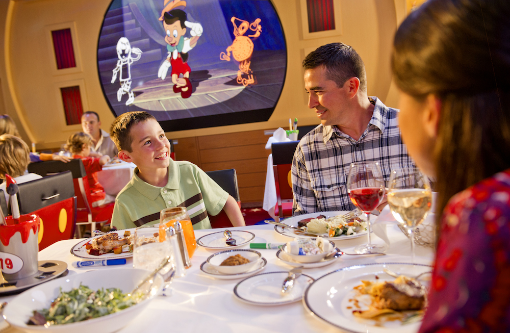 Early Or Late Which Disney Cruise Dinner Seating Is For You Magical Distractions